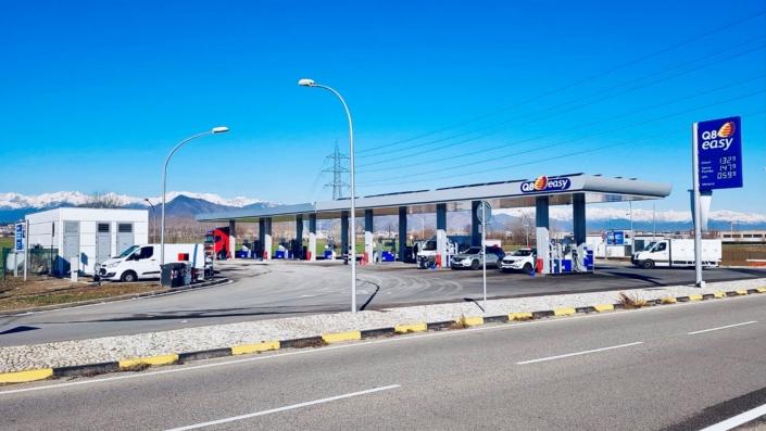 Stazione di servizio Q8 - Rivoli (TO)